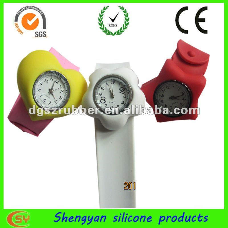 Colorful wholesale new design hand watch mobile phone