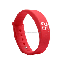 kids Cheap digital wrist watch waterproof silicone LED watch with light