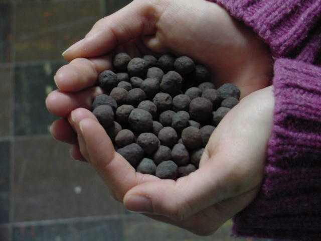 Iron Ore Pellets Specifications- Chemical (ON DRY BASIS) Fe-64.20% Feo-0.50 SiO2 Al2O3-5.90 C-0.03 S-0.002 Cao-0.79 Mgo-0.19
