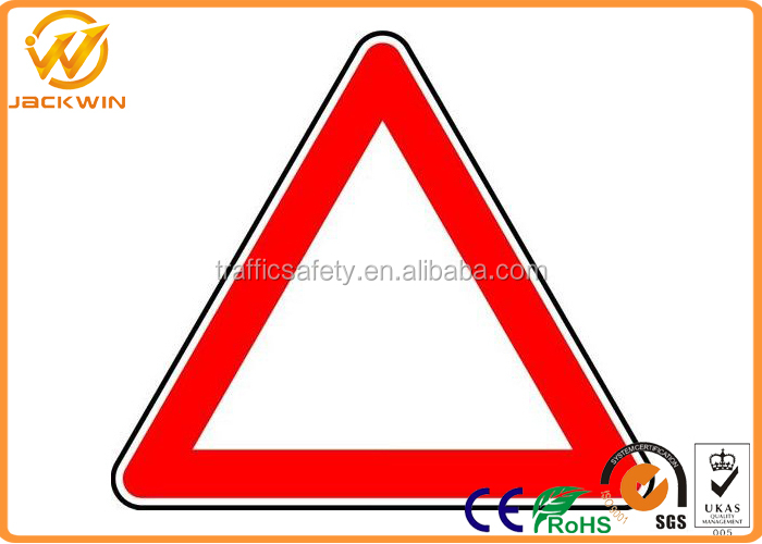 Reflective Triangle Road Signs Railway / Highway Traffic Signs Customized