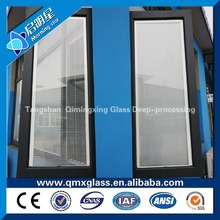 2017 New design hollow shutter/blind windows glass for buildings