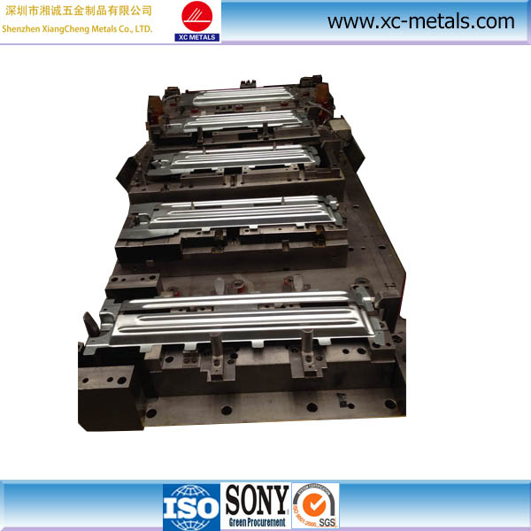 Automotive precision progress metal stamping die