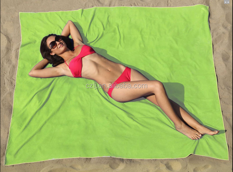 China Supplier Microfiber Fabric Beach Sports Towel/China High Absorbent Microfiber Towel with Animal and Woman