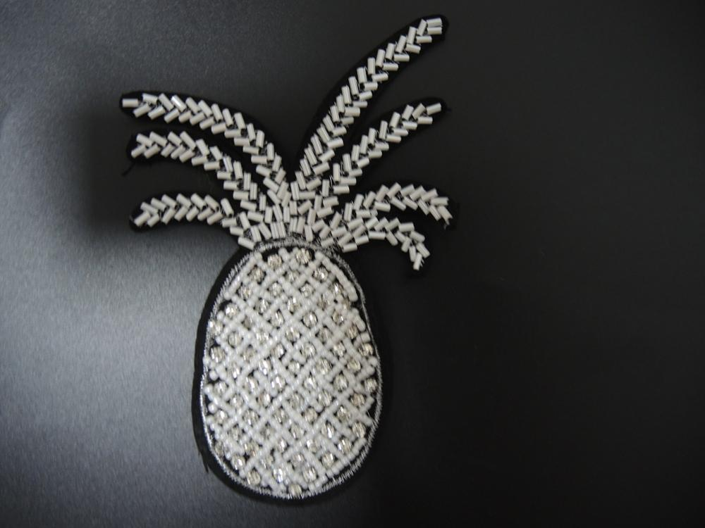 Newest Popular pineapple sequin sewing patch bags embroidery patch
