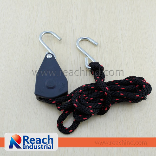 "3/8"" 250LBS Rope Tie Down Pulley Ratchet with S Hook"
