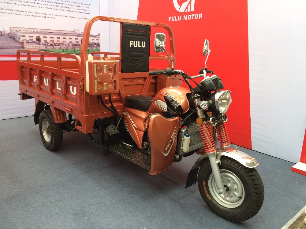Motorized driving type new condition tricycle cargo