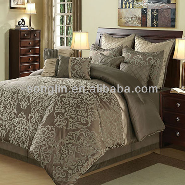 7 Pcs Gorgeous Jaquard Flower Comforter Set Bed In Dark Brown Color