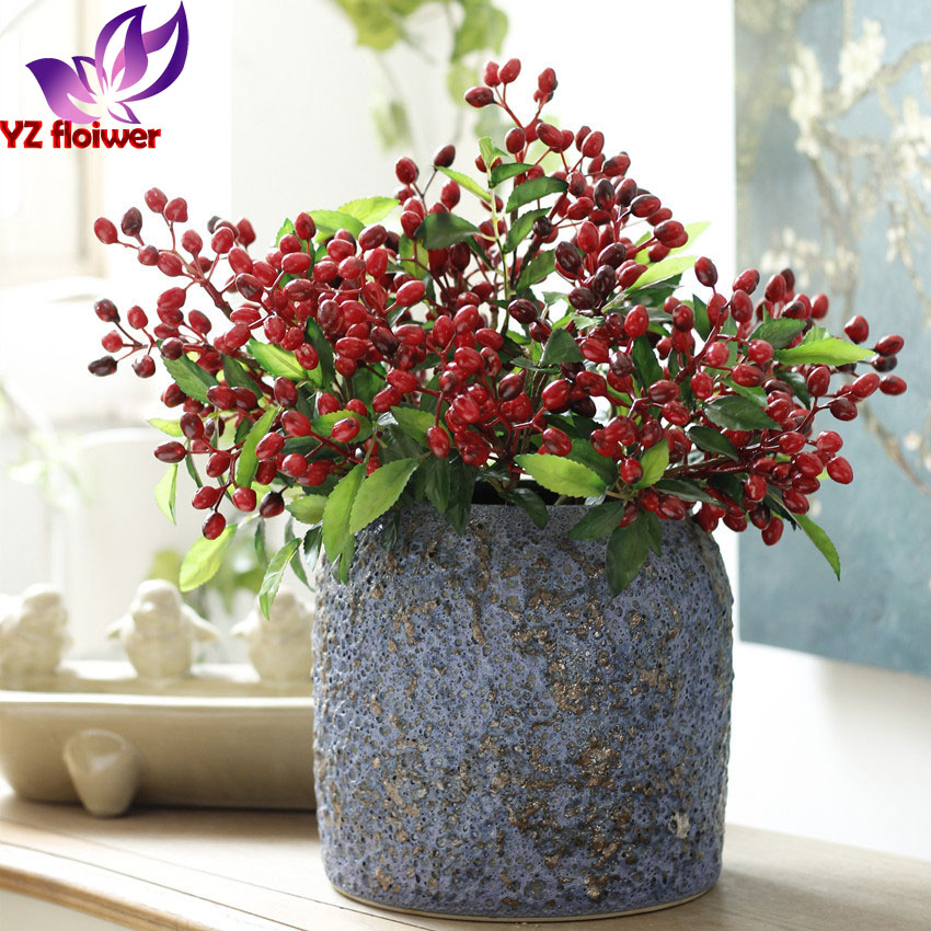 Garden Decoration waterproof berry pick plastic red berry with wholesale price