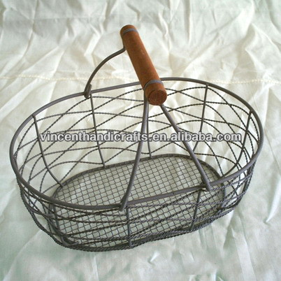 Rustic vintage wood handle oval rusty wire collect baskets wholesale