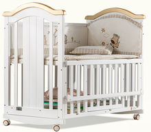 Convenient mother to look after baby bassinet baby cot for little kids sleeping and have fun
