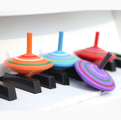 2016 new design Classical wooden colorful spinning top twistmania