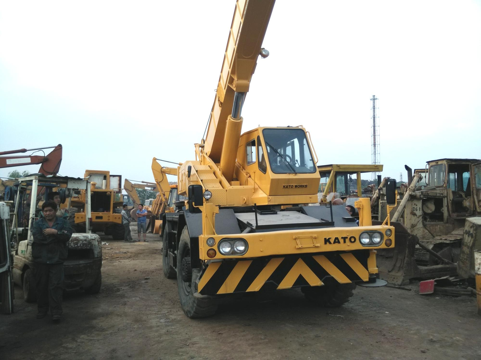 Used KATO Truck crane KR-25H For sale