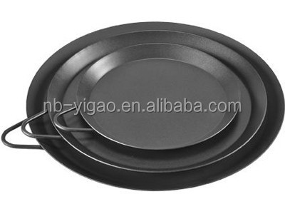 Carbon Steel Pizza Pan with metal handle for easy cooking