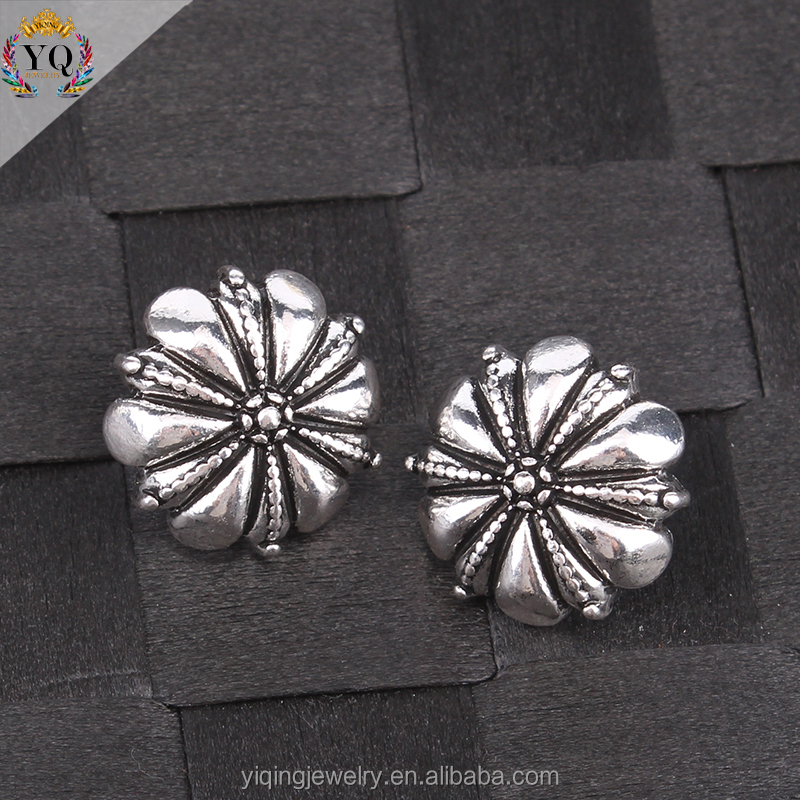 EYQ-00104 the latest flower shaped retro silver alloy stud earring for women