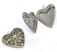 Best selling fashion antique bronze vintage brass locket heart shaped photo frame pendant