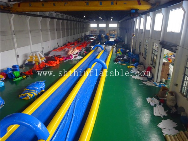 Inflatable long water slide