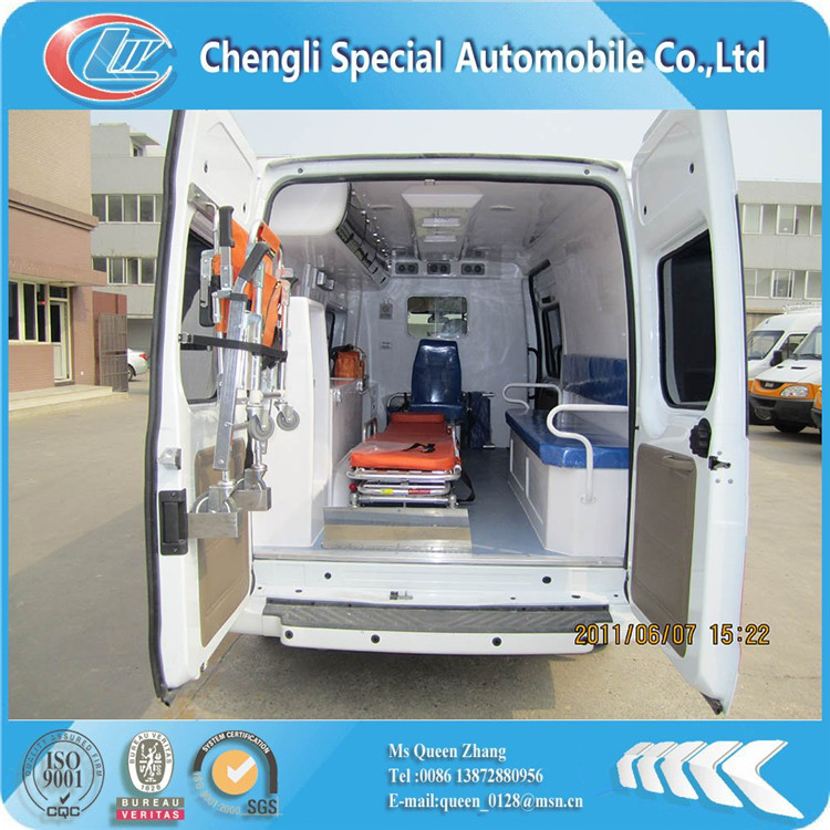 4*2 130hp IVECO ambulance car price