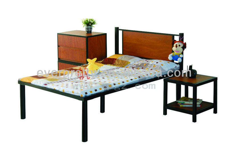 2014 Promotional Adult Single Metal Beds for School Dormitory Living Room