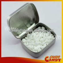 Xylitol mints candy in tins