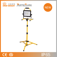 Portable 50W LED Work Light with Quick Locking Tripod Stand Flood Light IP65