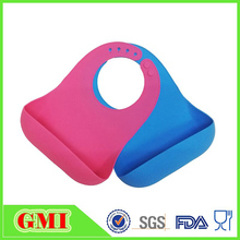 2017 wholesale New design big pocket silicone baby bib from China