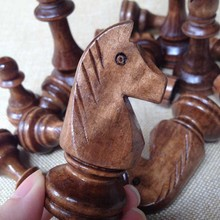 32 Pieces Chess Set Popular wooden Chess Traditional Game Wooden Chessmen Chess Pieces