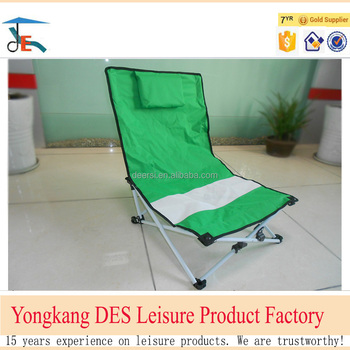 Factory directly offer leisure folding beach chairs with a pillow from China