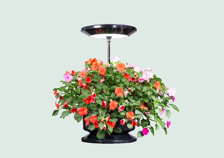 Indoor decorative plastic flower pot planter with light