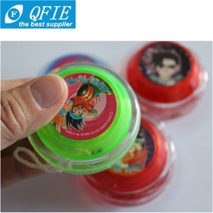 hot promotional classic plastic flashing yoyo for vending machine