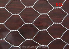 China Anping animal cages /chicken breed hexagonal wire mesh wholesale