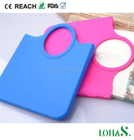 Non-slip silicone material tote bag help to protect your makeup jewelry cell phone