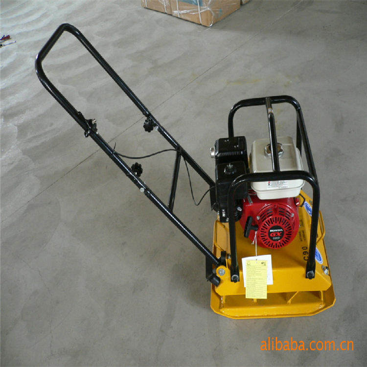 Strong shock absorber structure plate compactor