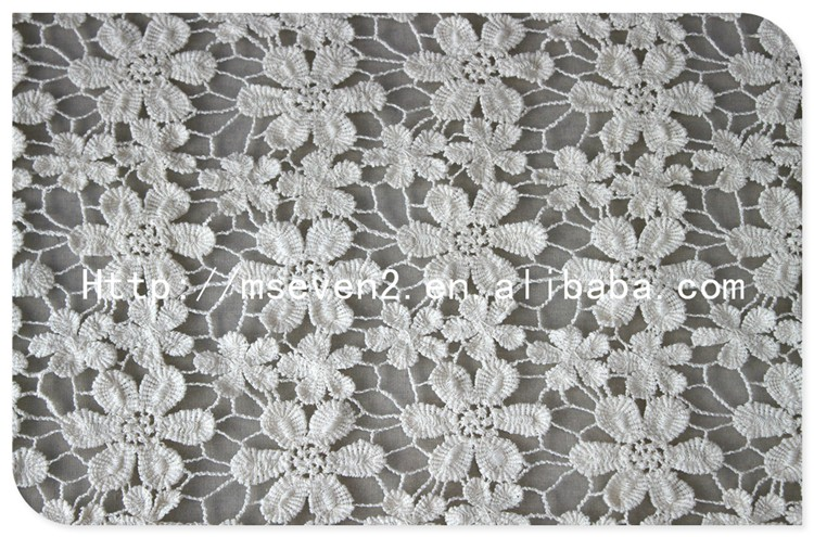 High Quality Fashion Floral Bridal Lace Fabric Wholesale Manufacturer