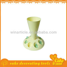 Pastry bag and nozzles cream holder