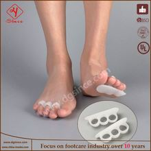 china supplier 2 x gel toe spreader eases foot pain foot bunion guard cushion health pad for hallux valgus
