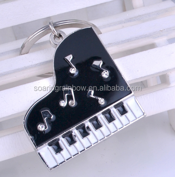 2017 high quality wholesale key ring 3D mini piano custome metal keychain for wedding souvenirs