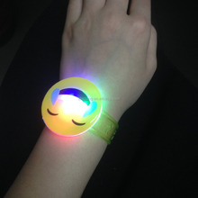 2016 Fashion Custom Soft Emoji LED Flashing Bracelet