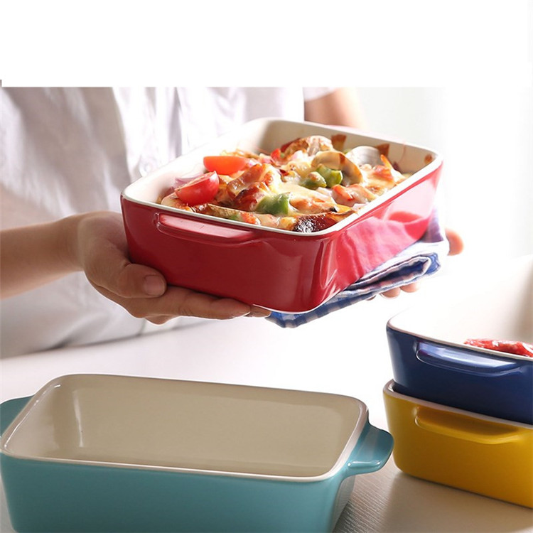 Restaurtant Baked seafood Spaghetti  used french style custom shape red ceramic bakeware with handles