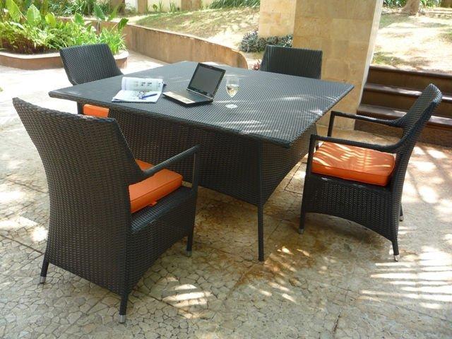 Muebles del hotel salsa conjunto muebles de rat n for Muebles de indonesia