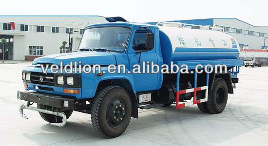 DongFeng Long-head 4x2 sprinkling truck WATER TANK TRUCK