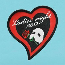 2012 fashion heart shape embroidery patch