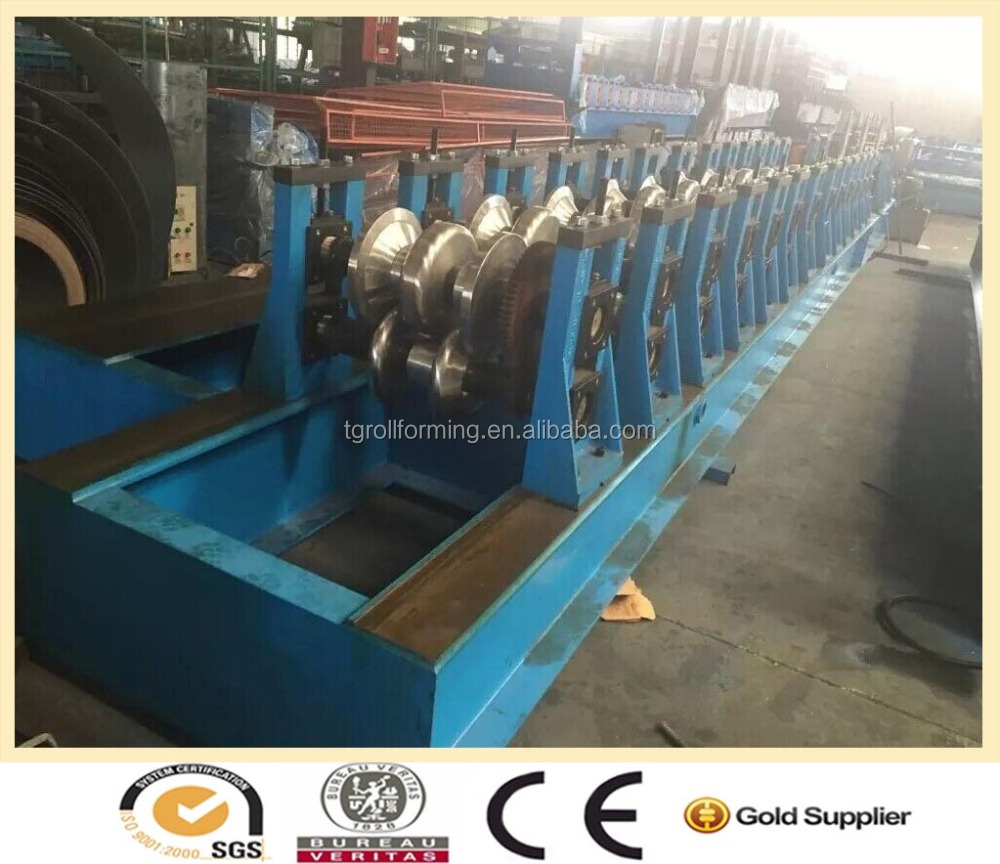 Fully Automatic Hot Dipped Galvanized W Beam Highway Guardrail roll forming machine