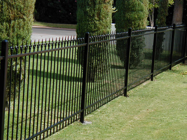 Aluminium garden fence or farm fence high quality fence panels