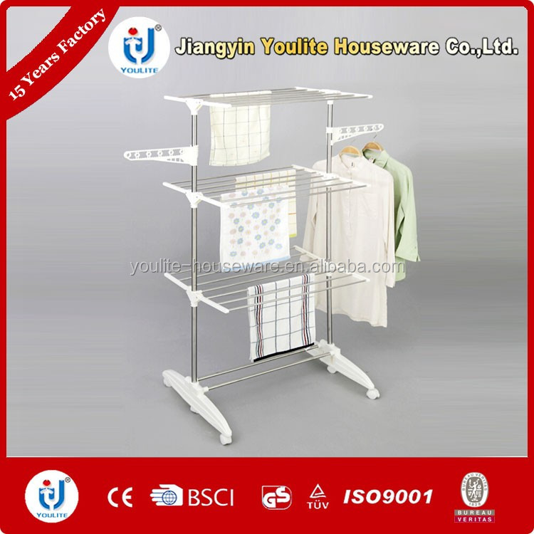 Hanging foldable clothes rack for steaming