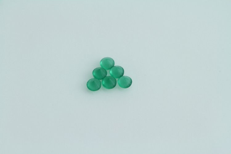 Hot Sale in Brazil One Side Polished round 1.75mm Green Glass Stones