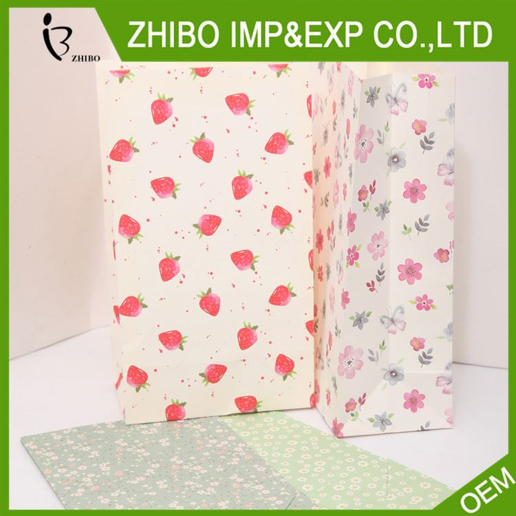 Factory supply attractive style gift packaging paper bag from manufacturer