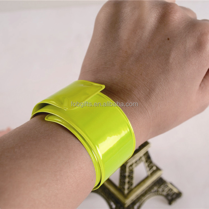 wholesale custom pvc fluorescence adult fancy ruler snap rock band slap band/slap wrap/charm vinyl glow in dark hair bracelet