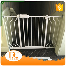 Hot sale friendly indoor retractable fencing for dogs