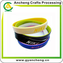 fashional high quality debossed ink filled silicone wristbands for party gift