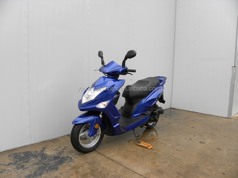 Good quality cheap useful 150cc 4 stroke scooter motorcycle for adult